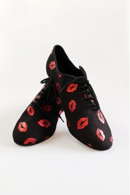 Buty practis ATR czarne w czerwone usta